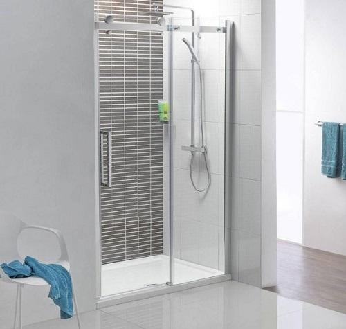 Phòng tắm kính cửa lùa sang trọng sạch sẽ