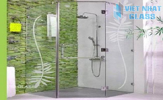 Vách tắm kính 3 ngăn cửa mở