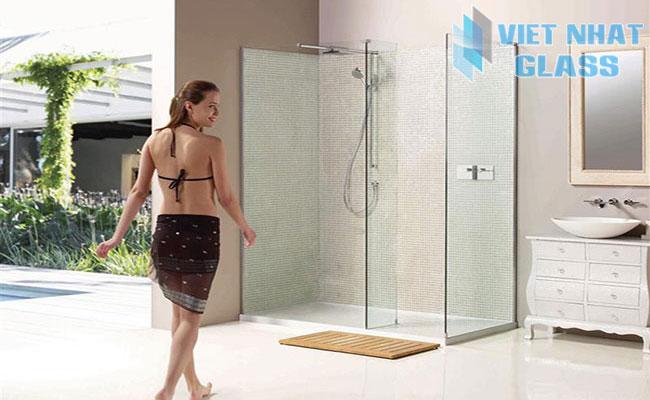 Phòng tắm kính cường lực cao cấp